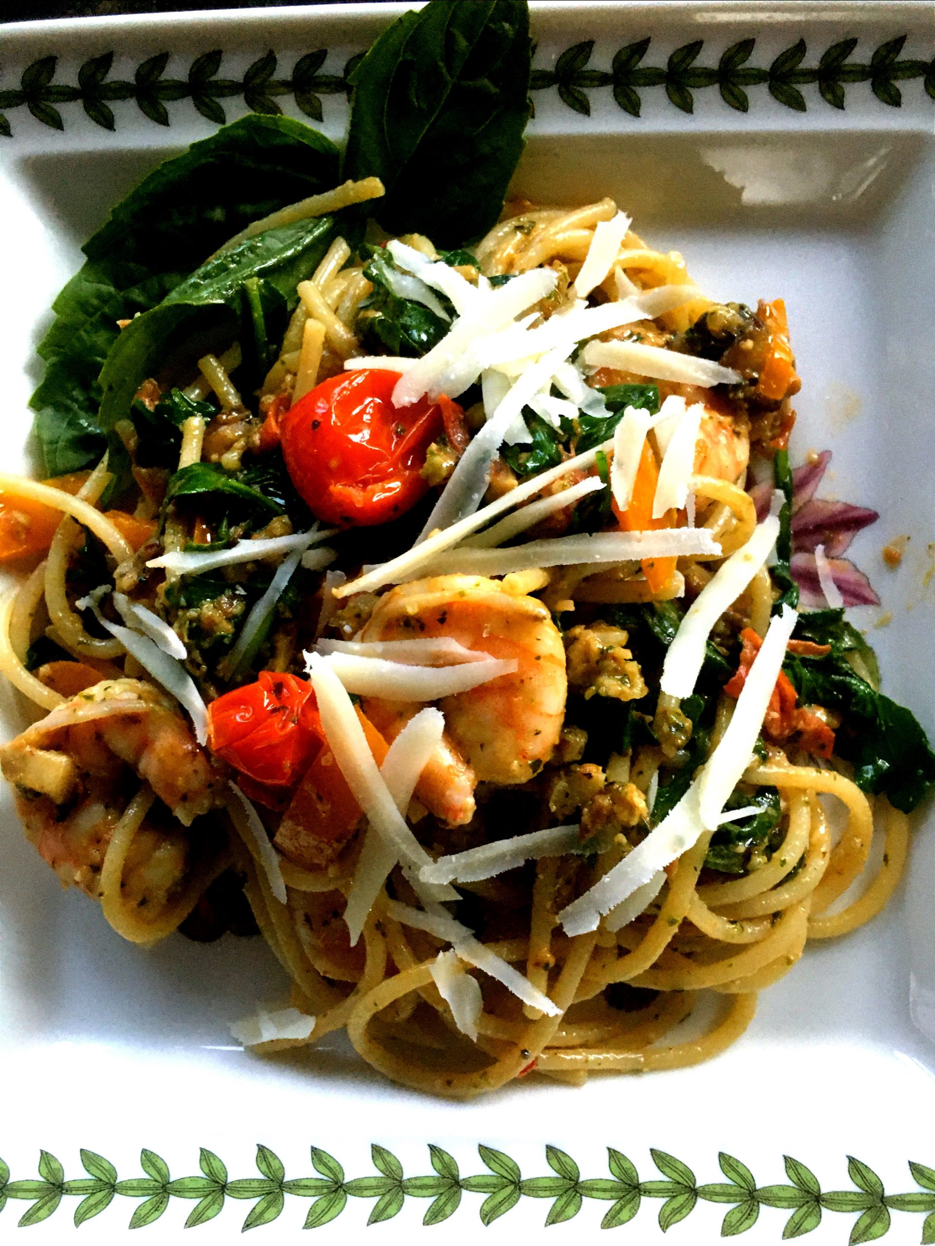 Pasta with Roasted Tomatoes, Pesto, Spinach, and (optional) Shrimp, serves 4